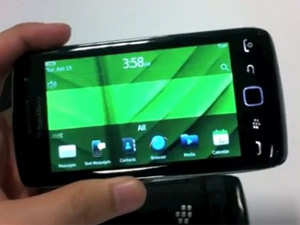 Blackberry Torch 9860 photos leaked online