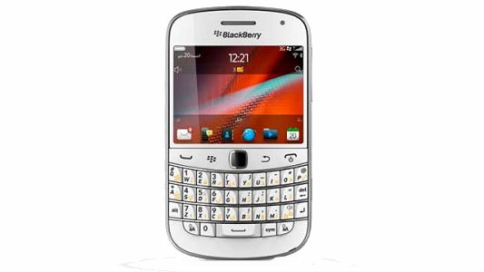White blackberry 9900 smartphone launched in Indian market