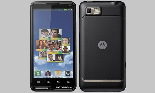 Another smartphone from Motorola: Motorola Motoluxe Smartphone