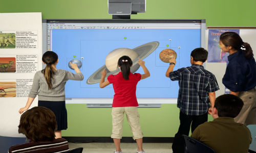 SMART Board 800 Series features Four-Touch Interactivity