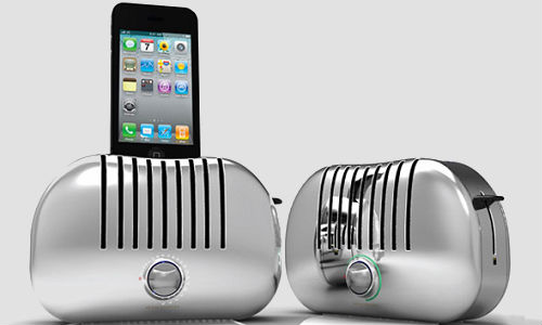 Toaster styled speaker dock for iPhone