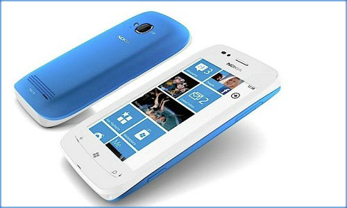 How to turn on WiFi on Nokia Lumia 710?