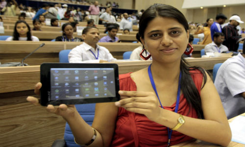 University Students get Aakash Tablet for free