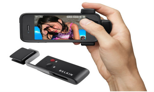 A Belkin camera grip gadget to turn iPhone to a camera
