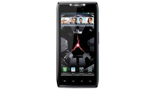 Motorola RAZR XT910 smartphone is now available at a lower price