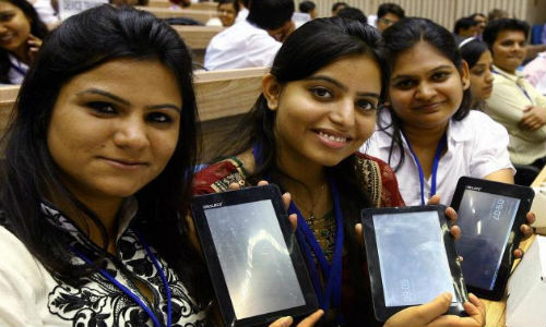Aakash 2 tablet to launch in May