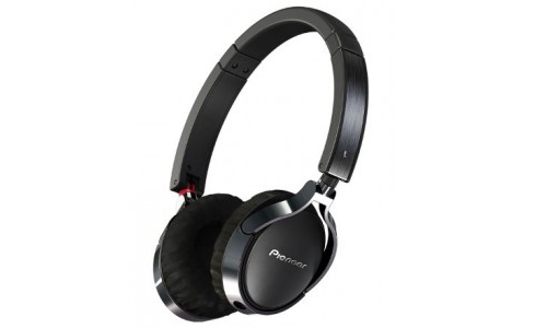 Pioneer enters on-ear headphone segment