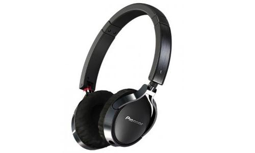 Pioneer enters on-ear headphone segment
