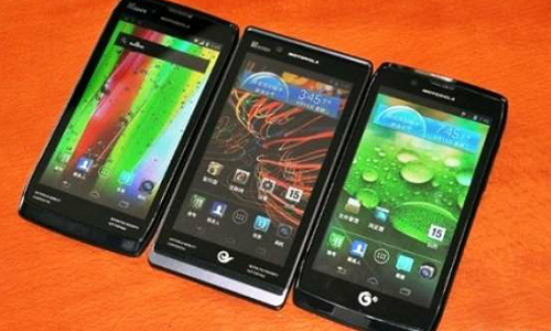 Motorola launches 3 Razr smartphones with Android ICS