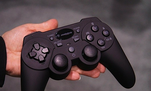 Snakebyte Android and iOS Tablet gaming controller preview