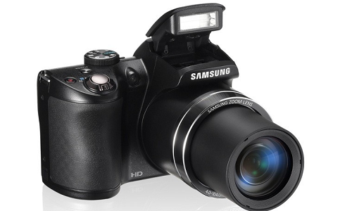 Samsung WB 100 camera, a handy point and shoot camera for travelle