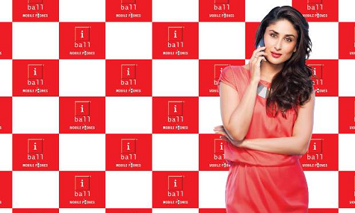 Kareena to unveil iBall Android ICS flavored 'Andi' smartphones