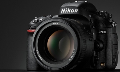 Nikon D600: Smallest, Cheapest and Lightest full-frame DSLR