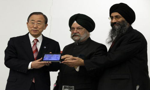 Aakash 2 Unveiled in UN: Low Cost Tablet Woos Everyone Despite All Recent Woes
