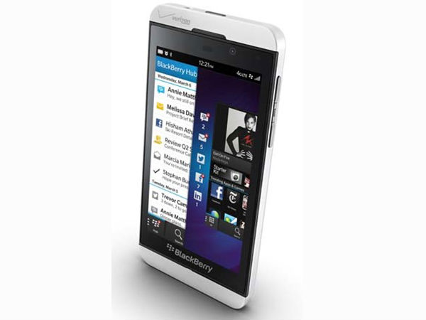 BlackBerry New Smartphones Z10 And Q10 Photos