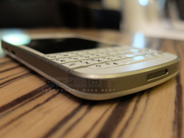 BlackBerry Q10 Review Photos