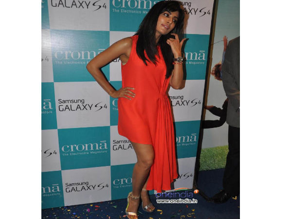 Celebrities at Samsung Galaxy S4 Launch Photos
