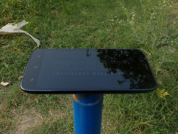 Karbonn Titanium S5 Review Photos
