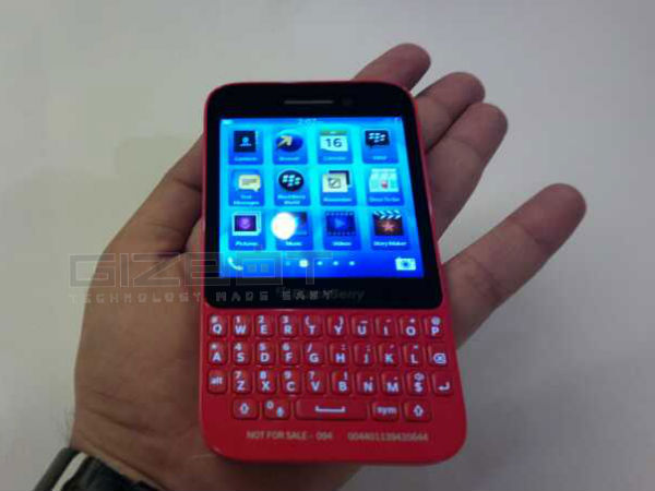 BlackBerry Q5 Launch Event Photos