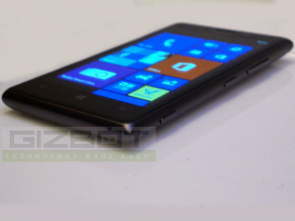 Nokia Lumia 925 Hands On First Look Photos