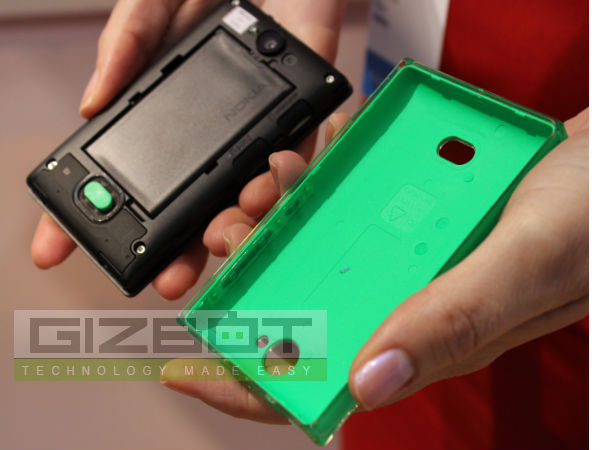 Nokia Asha 503 First Look Photos