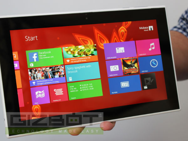 Nokia Lumia 2520 First Look Photos