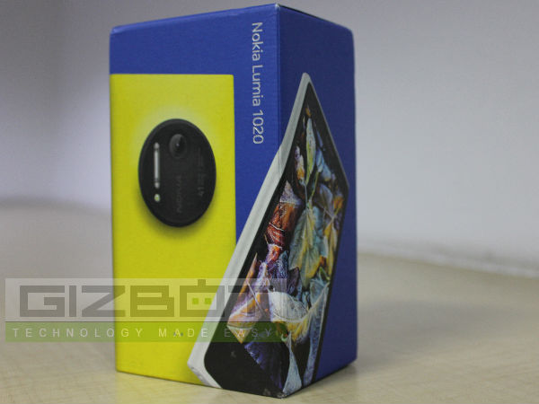 Nokia Lumia 1020 First Look Photos