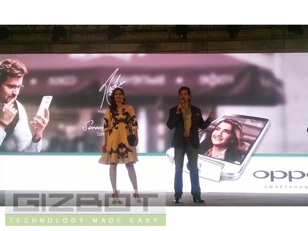 Hrithik Roshan and Sonam Kapoor Launched Oppo N1 Event Photos