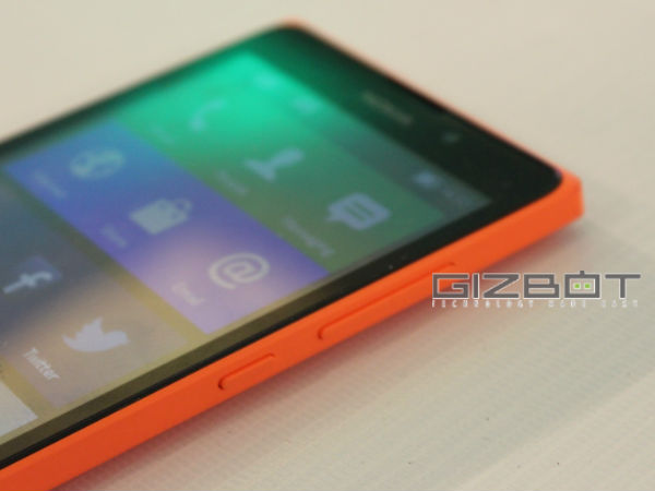 Nokia XL Hands On Review Photos