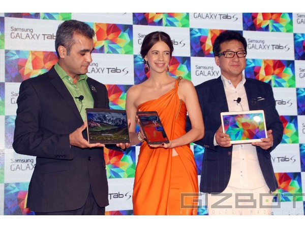 Kalki Koechlin has launches the Samsung Galaxy Tab S Photos