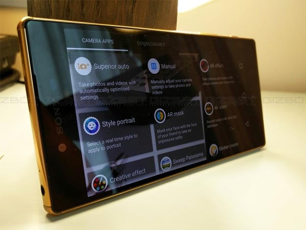 Sony Xperia Z5 premium First Impressions Photos