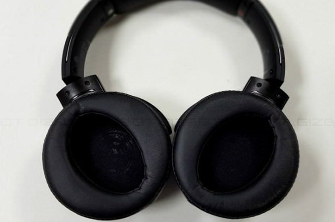 Sony MDR XB950B1 Wireless Headphone Photos