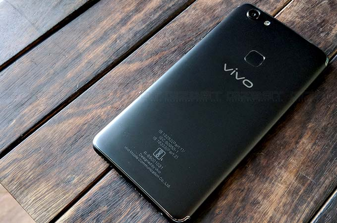 Vivo V7 First Impressions Photos