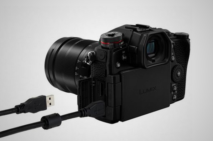 Panasonic LUMIX G9 Mirrorless Camera Photos