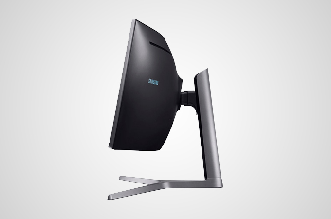 Samsung CHG90 curved QLED monitor Photos