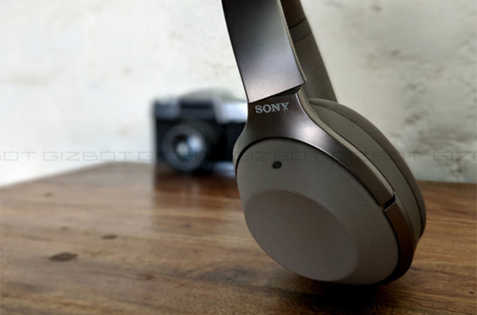 Sony WH-1000XM2 Photos