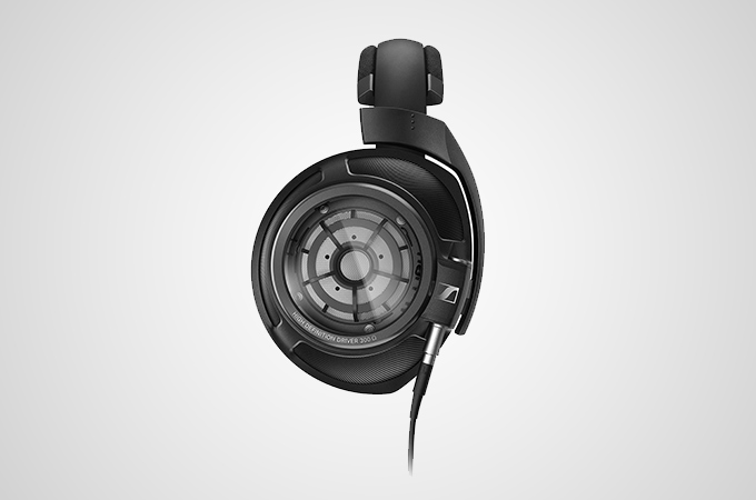 Sennheiser HD 820 Photos