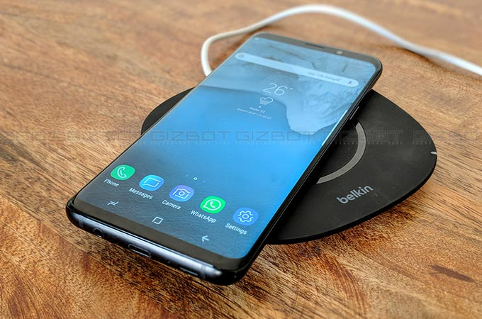 Belkin Boost Up wireless charging pad Photos