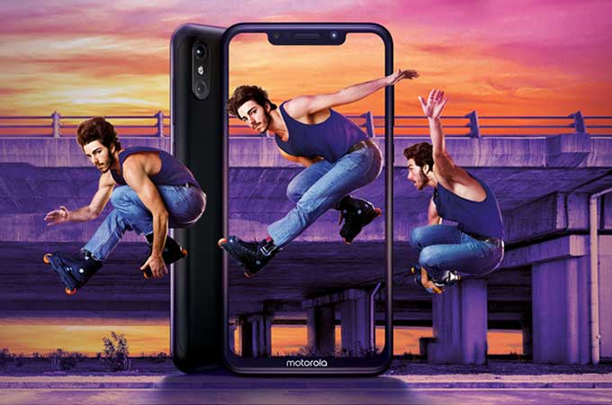 Motorola One Power Photos