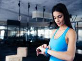 6 Factors to Consider Before Buying a Fitness Tracker
