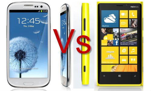 Samsung Galaxy S3 vs Nokia Lumia 920 Pitching Machine Challenge