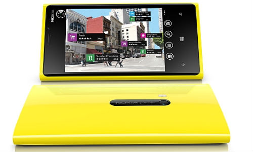 Nokia Lumia 920: Customization of Home Screen on WindowsPhone8 Handset