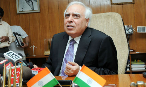 No Roaming charges in India Starting October 2013: Kapil Sibal