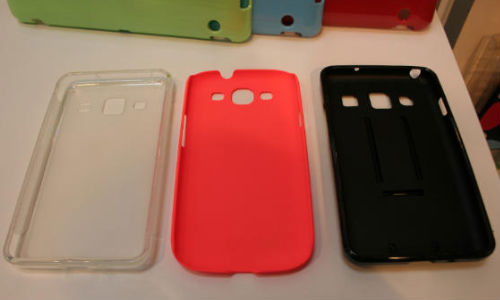 Samsung Galaxy S4 Alleged Cases Spotted At CeBIT 2013