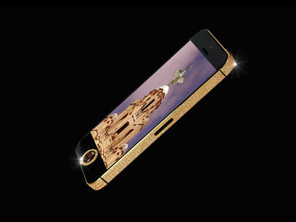 iPhone 5 with Black Diamonds and 24-carat Gold is a Beauty