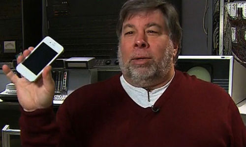 Steve Wozniak Projects Apple to Bounce Back, Tim Cook Could Be Sacked