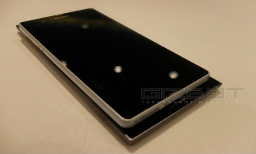 Lenovo K900 vs Sony Xperia Z: The Flagship Rivalry Begins