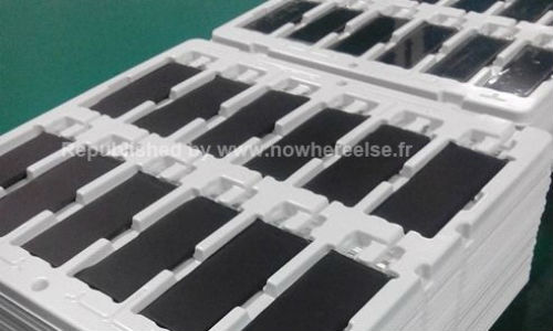 Apple iPhone 5S : Alleged Pictures Of  Batteries Surfaces Online