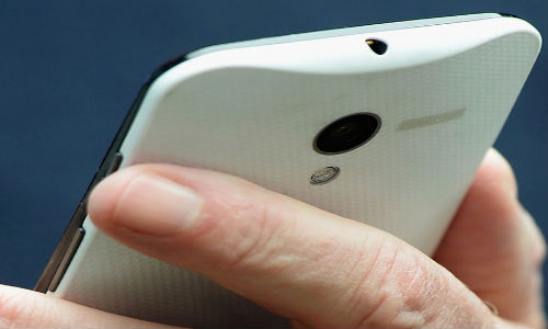 Eric Schmidt Spotted With Unannounced Moto X; Could Be A Super Camera