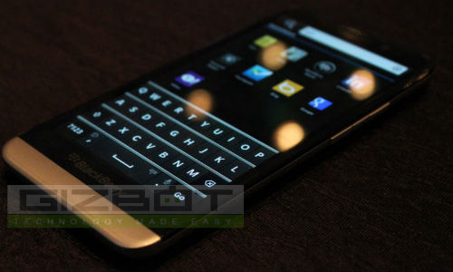 BlackBerry To Launch High-End BB Z50 and BB Q30 Next Year